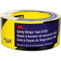 Ruban rayé d'avertissement3M™5702,2 po de largeur x108 pi de longueur, noir/jaune,1 rouleau