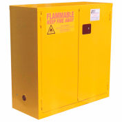 """Global Industrial™ Flammable Cabinet, Manual Close Double Door, 28 Gallon, 34""""Wx18""""Dx44""""H"""