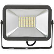 Global Industrial™ LED Flood Light, 50W, 4500 Lumens, 5000K, w/Mounting Bracket
