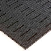Wearwell Abrasive Coated Kushion Walk, Slotted Black, 3/8in x 2ft x 60ft Full Roll