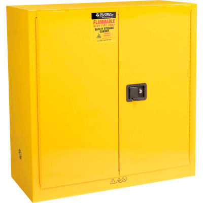 """Global Industrial™ Flammable Cabinet, Manual Close Double Door, 30 Gallon, 43""""Wx18""""Dx44""""H"""