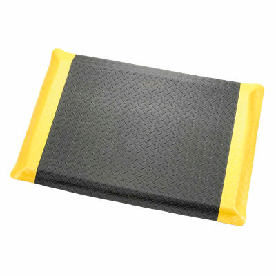 "Diamond Plate Ergonomic Mat 9/16"" Thick 4'W, 75' Roll, Black/Yellow Border"