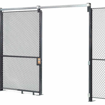 Global Industrial™ Wire Mesh Sliding Gate - 8x4