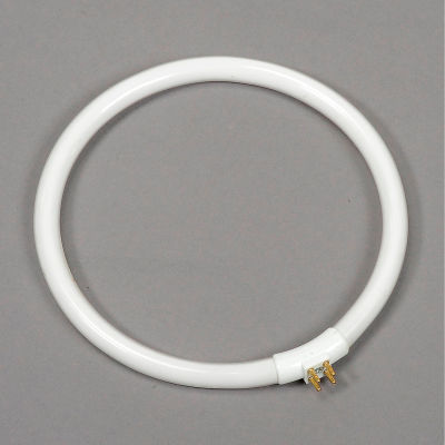 Global Industrial™ Replacement Bulb T4 22W for Magnifying Lamp 277494