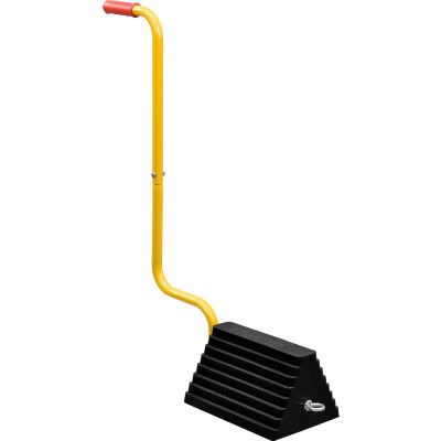 Global Industrial™ Molded Rubber Wheel Chock With Handle