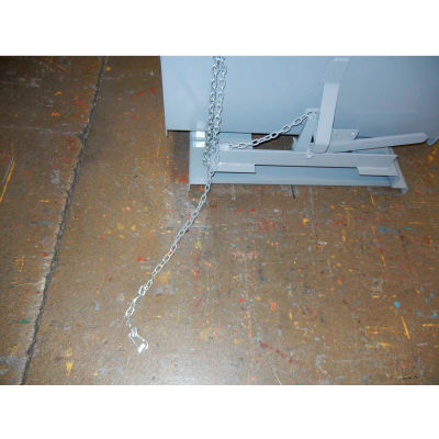 Pull Latch for Extreme Height Dumping for Global Industrial™ Self-Dumping Hoppers - Yellow